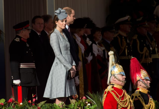 Kate middleton ceremonial welcome for the president of singapore