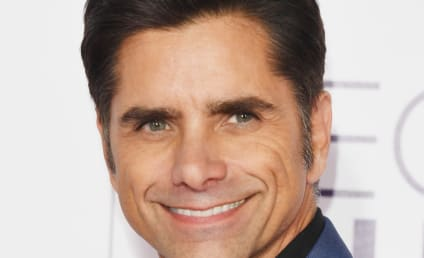 Caitlin McHugh: Engaged to John Stamos!!!!!!!!!!