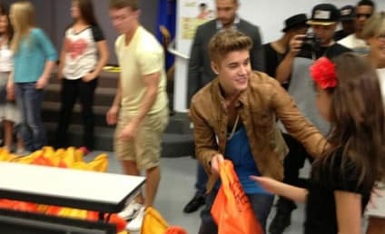 Justin Bieber Visits Elementary School, Makes Major Donation