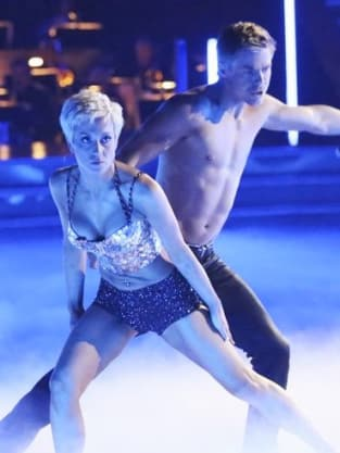 Kellie Pickler and Derek Hough Photo
