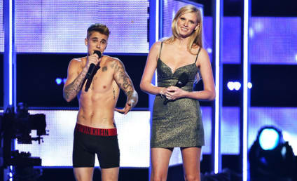 Justin Bieber Strips Down on Fashion Rocks: Does He Wear Boxers or Briefs?