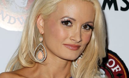Holly Madison Wants to Adopt