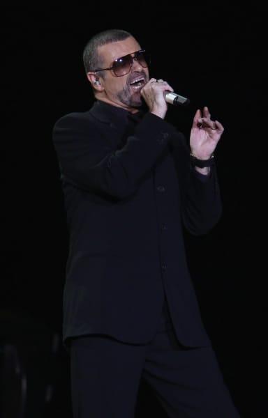 George Michael Sings