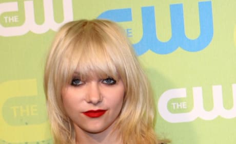 Which Taylor Momsen Hairstyle is Best?