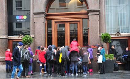 Justin Bieber: Trapped in Liverpool Hotel!