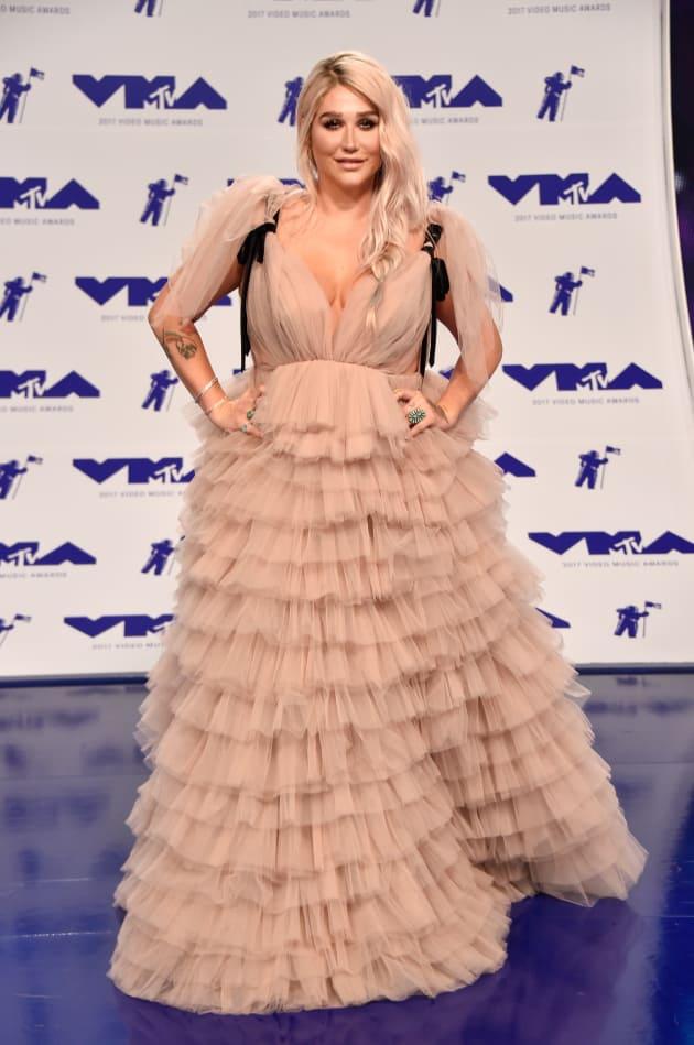 Kesha at 2017 VMAs
