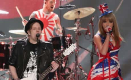 "Taylor Swift and Fall Out Boy - """"My Songs Know What You Did in the Dark (Light 'Em Up)"""