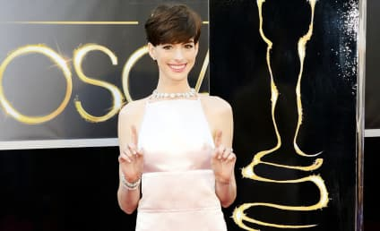 Anne Hathaway Oscars Dress: Worst Outfit of the Night?