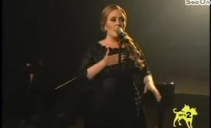 """Adele Owns Video Music Awards, Performs """"Someone Like You"""""""