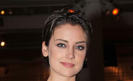 Which hair color do you prefer on Jessica Stroup?