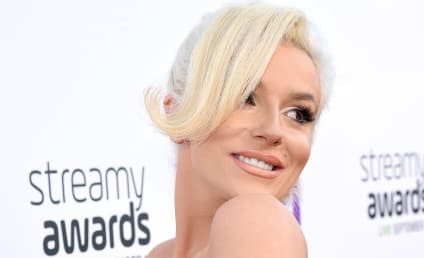 Courtney Stodden Responds to Fake Pregnancy Rumors With Nude Selfie
