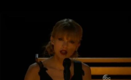 "Taylor Swift - ""Red"" (CMA Performance)"