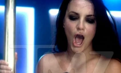 """Britney Spears """"Gimme More"""" Topless Photos: WTF!?"""
