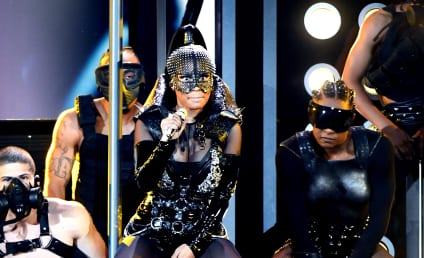 Nicki Minaj Kicks Off Billboard Music Awards with OMG Performance