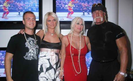 Hulk Hogan and Family 2007 Consumer Electronics Show