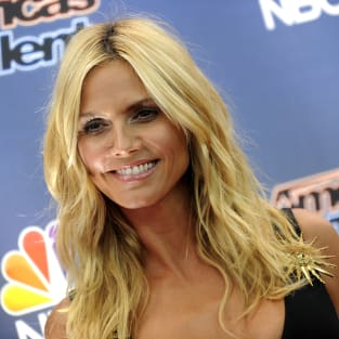 Heidi Klum Red Carpet Pose