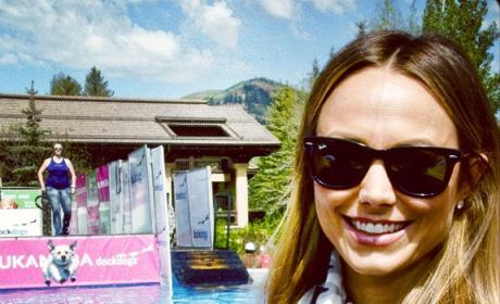 Stacy Keibler Photobomb