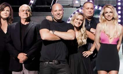 "Britney Spears, ""Second Family"" Pose For V"