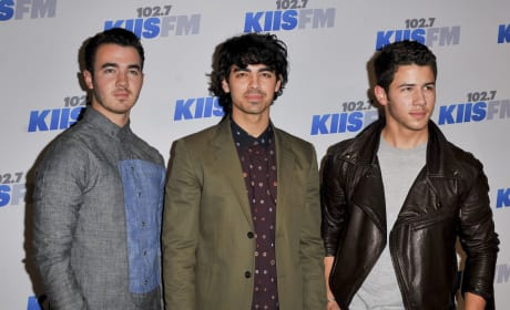 Do you want Jonas Brothers to break up?