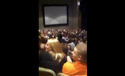 """Russell Brand OWNS """"Katy Perry"""" Heckler During Stand-Up Show"""