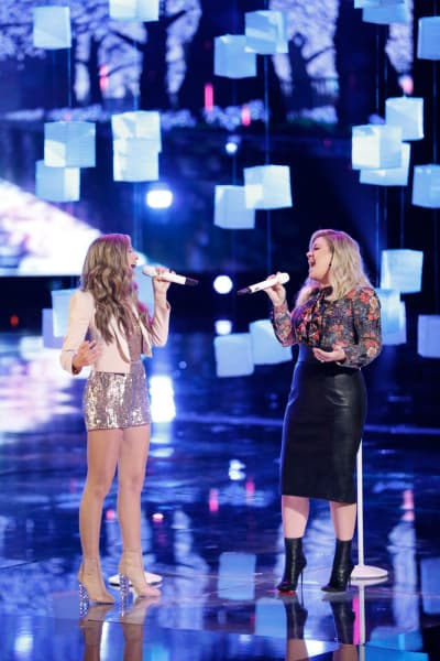 Brynn Cartelli, Kelly Clarkson on The Voice