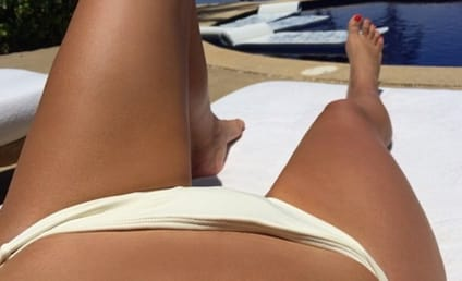 Kim Kardashian Snaps Body Selfies in Mexico: Enjoy THIS View!