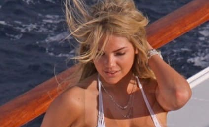Kate Upton Sports Illustrated 2013 Swimsuit Issue Preview: Model Heats Up Antarctica!