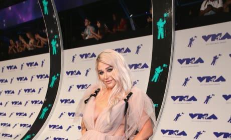 Kesha at the VMAs