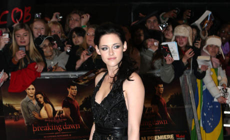 Kristen Stewart Red Carpet Pose