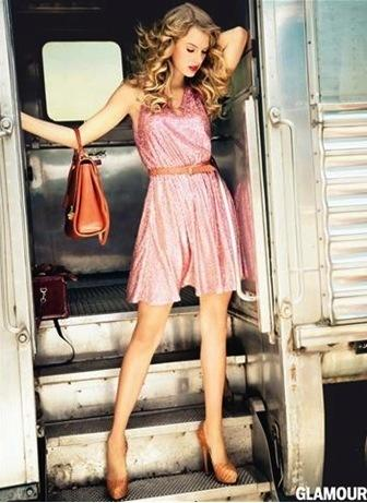 Taylor Swift in Pink