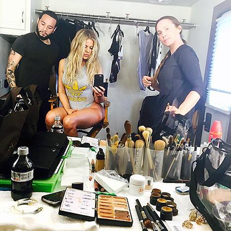 Khloe Kardashian Legs Photo