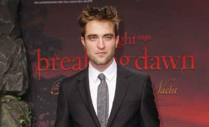 Tabloid: Kristen Stewart Pregnant with Robert Pattinson's Baby