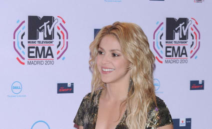 MTV Europe Fashion Face-Off: Shakira vs. Ke$ha