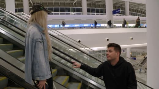 Yara Zaya is still mad at Goofy Dufrin on the escalator