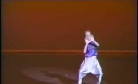 Ryan Gosling: Dancing Like MC Hammer!