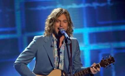 "Jason Castro Performs ""Hallelujah"" on American Idol"
