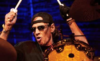 Scott Asheton Dead; Stooges Drummer Was 64