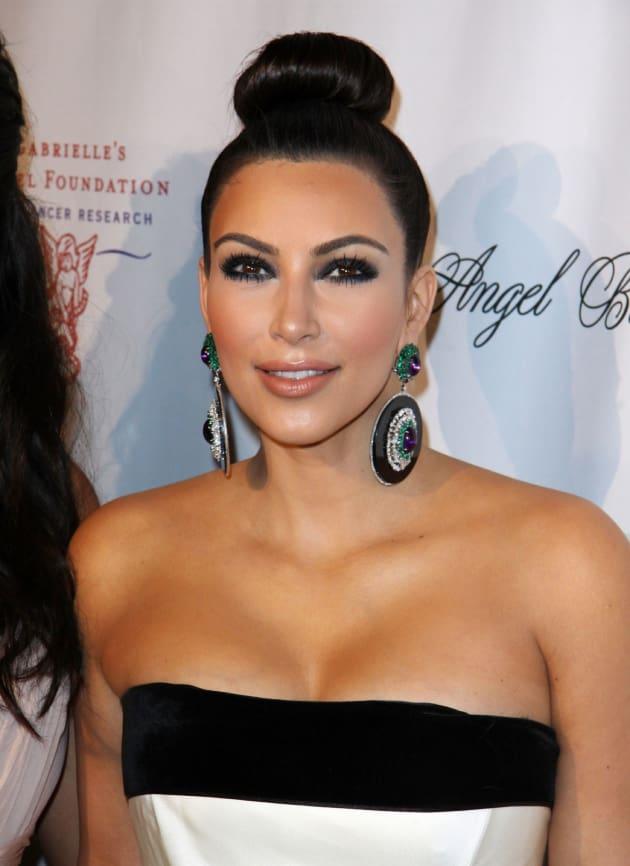 Kim Kardashian Kleavage Alert