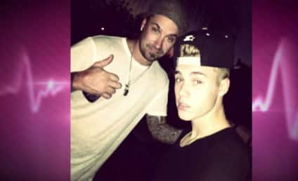 """Justin Bieber, Father Deemed """"Extremely Abusive,"""" Totally High on Private Plane Ride"""
