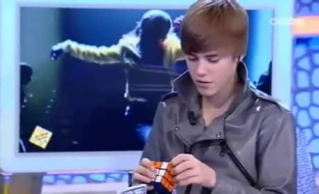 Justin Bieber Solves a Rubik's Cube