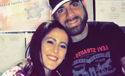 David Eason Mocks Jenelle Evans' Son AGAIN, Continues to Suck at Life