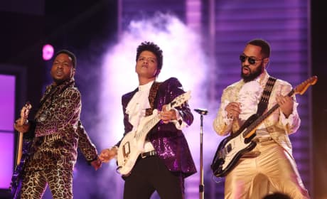Bruno Mars Pays Moving Tribute to Prince at 2017 Grammys