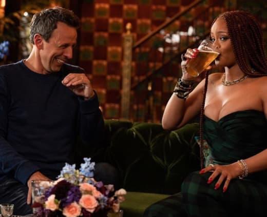 Rihanna & Seth Meyers Just Became BFFs After Getting Day Drunk Together!