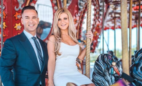 """Mike """"The Situation"""" Sorrentino & Lauren Pesce"""