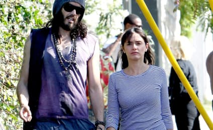Isabella Brewster: Dating Russell Brand!