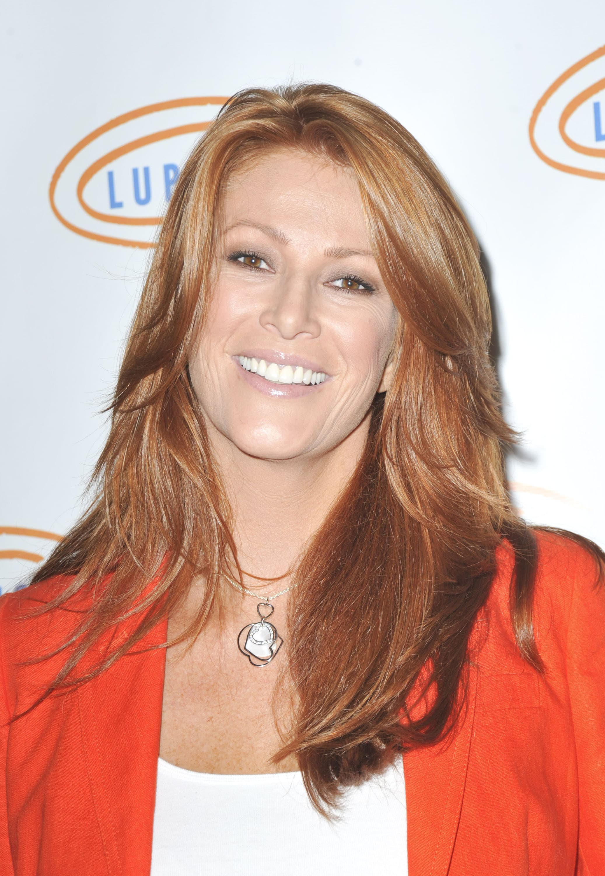 Angie Everhart Nude Photos 24