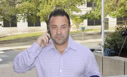Joe Giudice: Dating a STRIPPER With Teresa Behind Bars?!