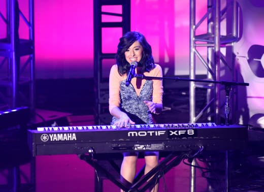 Christina Grimmie Performs What's Trending Pic