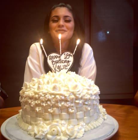 Kylie Jenner Birthday Cake