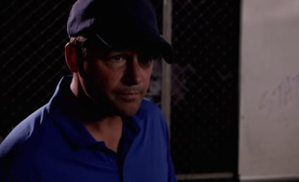 Kyle Chandler is Back as Coach Taylor!